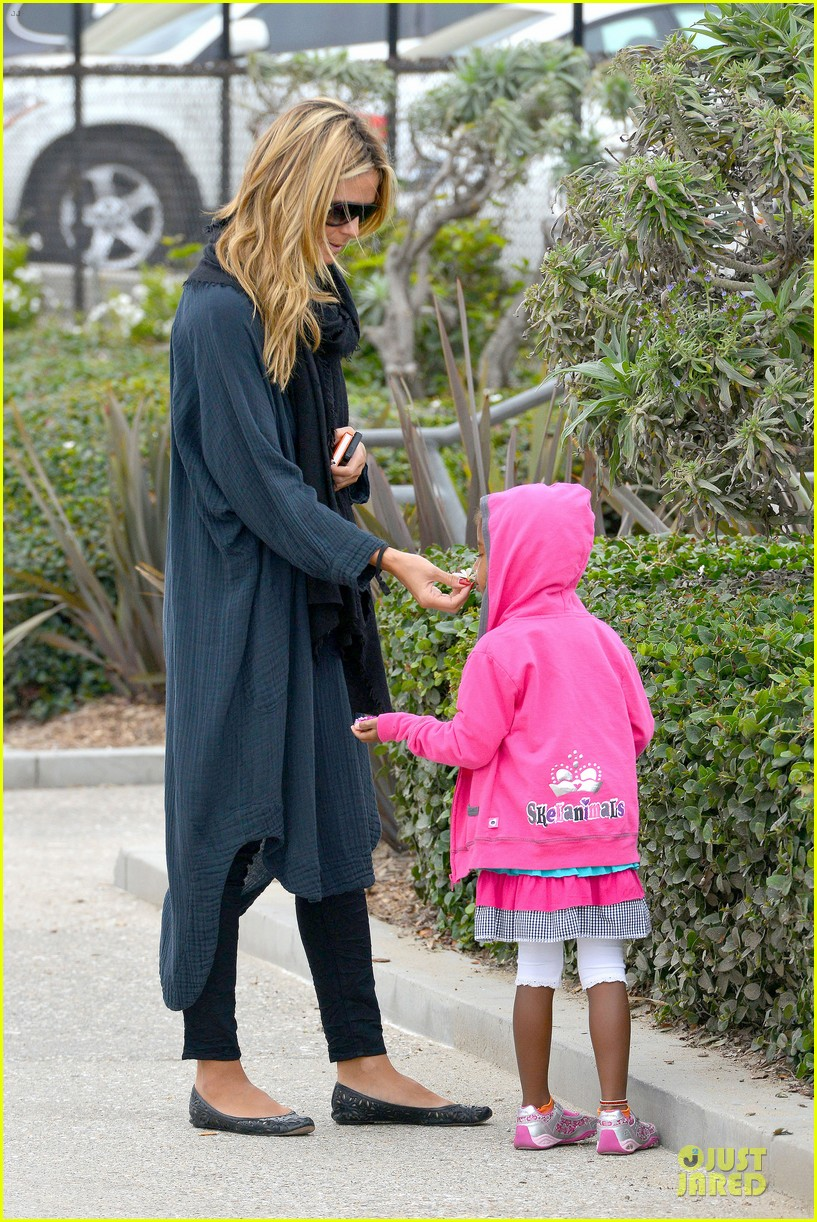 heidi klum martin kirsten venice beach bonding after nyc departure 17