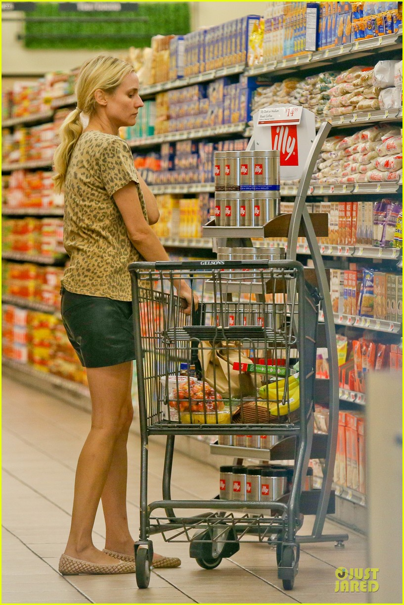 diane kruger joshua jackson white wine fruit shoppers 122914173