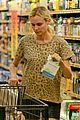 diane kruger joshua jackson white wine fruit shoppers 04