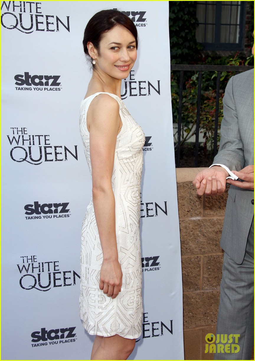 olga kurylenko kisses danny huston at white queen premiere 242917149