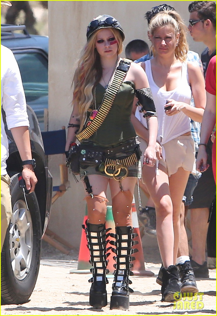 avril lavigne rock n roll music video shoot 05