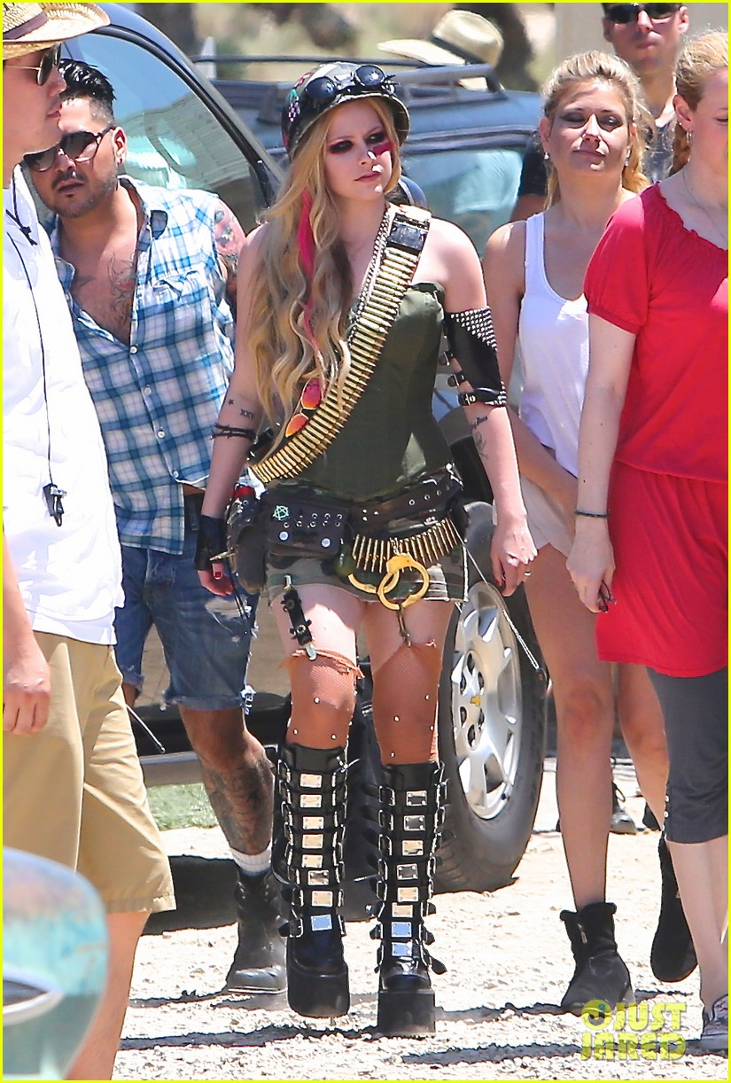 avril lavigne rock n roll music video shoot 06