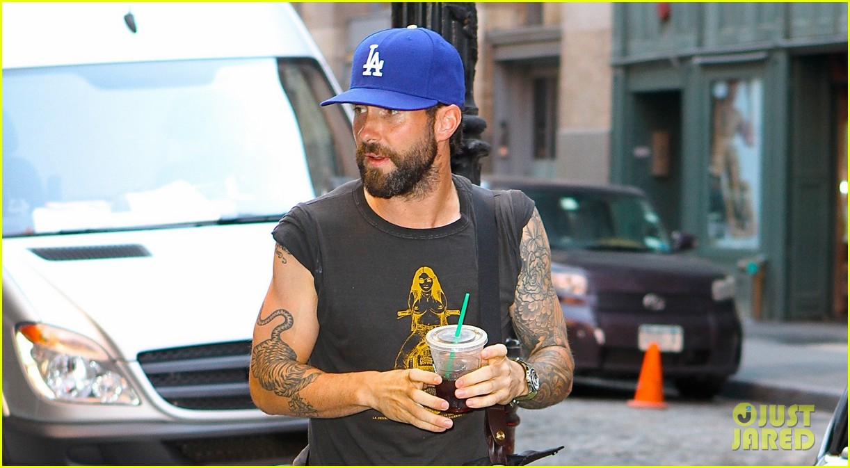 adam levine proposed on one knee to behati prinsloo 032911531