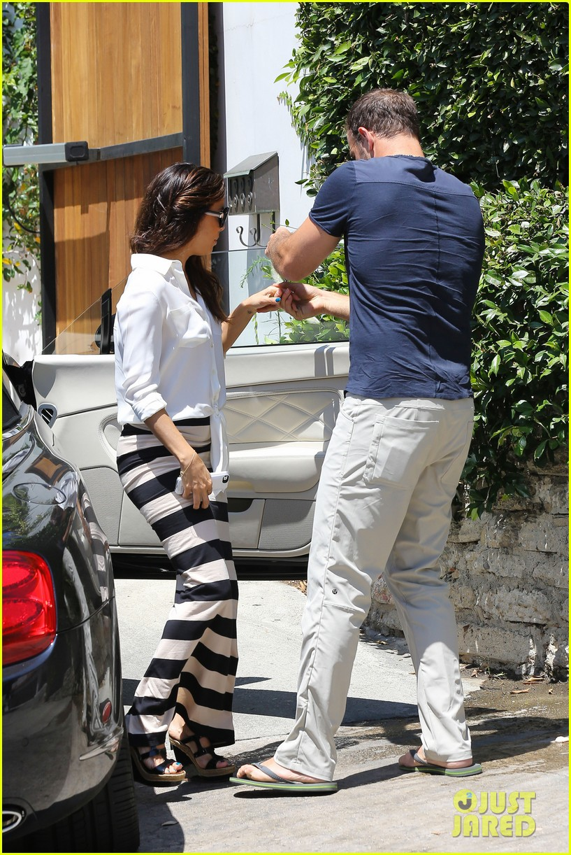 eva longoria ernesto aguello argo dinner after house hunting 10