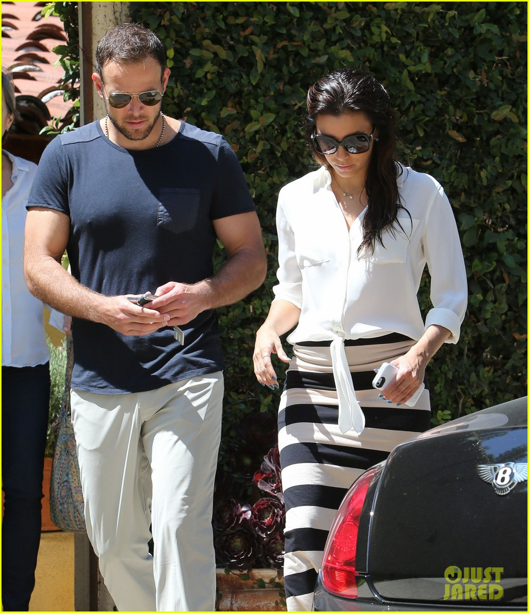 eva longoria ernesto aguello argo dinner after house hunting 23