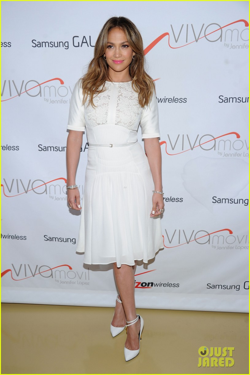 jennifer lopez viva movil flagship store opening 01