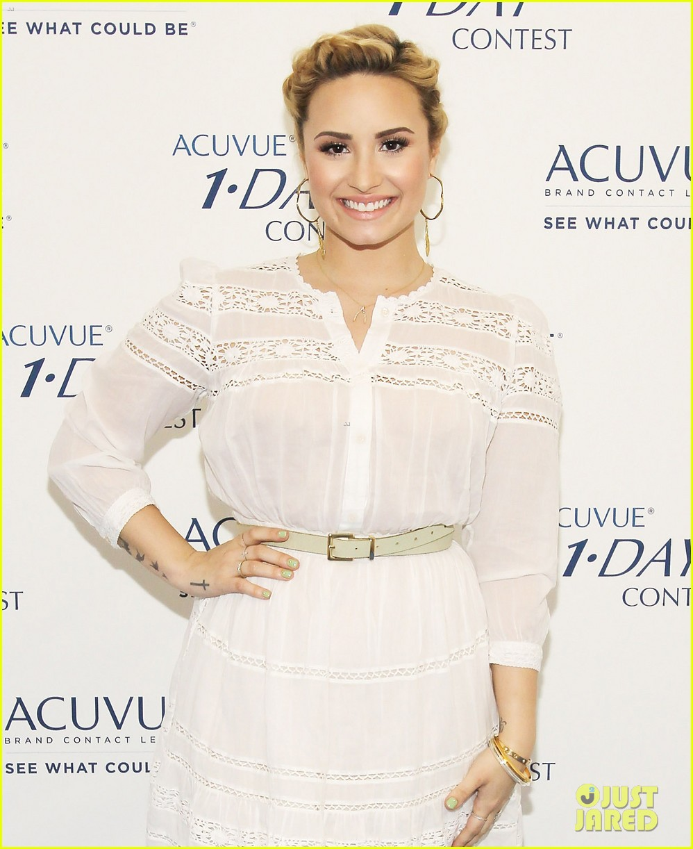 demi lovato acuvue 1 day dream event 03