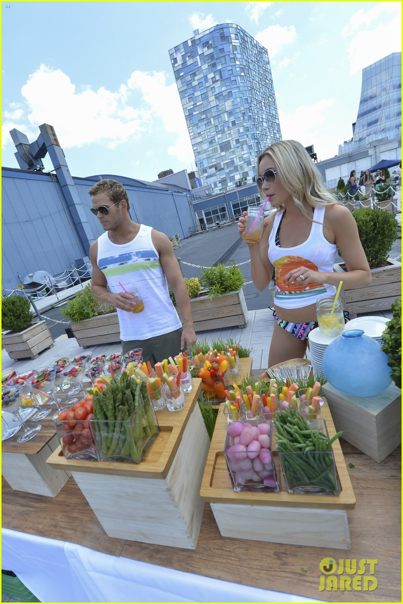 kellan lutz katrina bowden ops surf for life event hosts 19