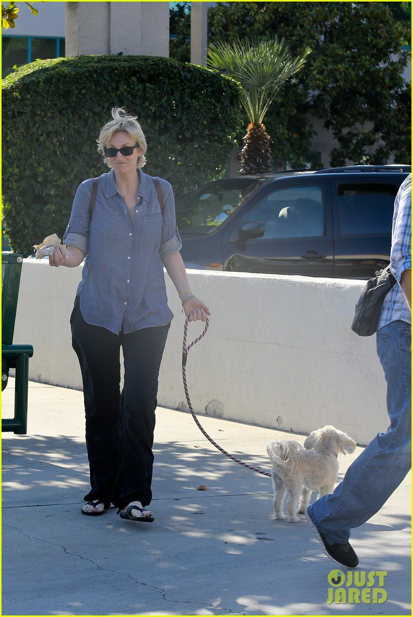 jane lynch cory monteith memorial was beautiful 252917053