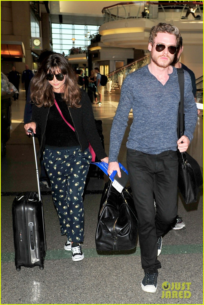 richard madden jenna coleman lots of luggage at lax 052917822