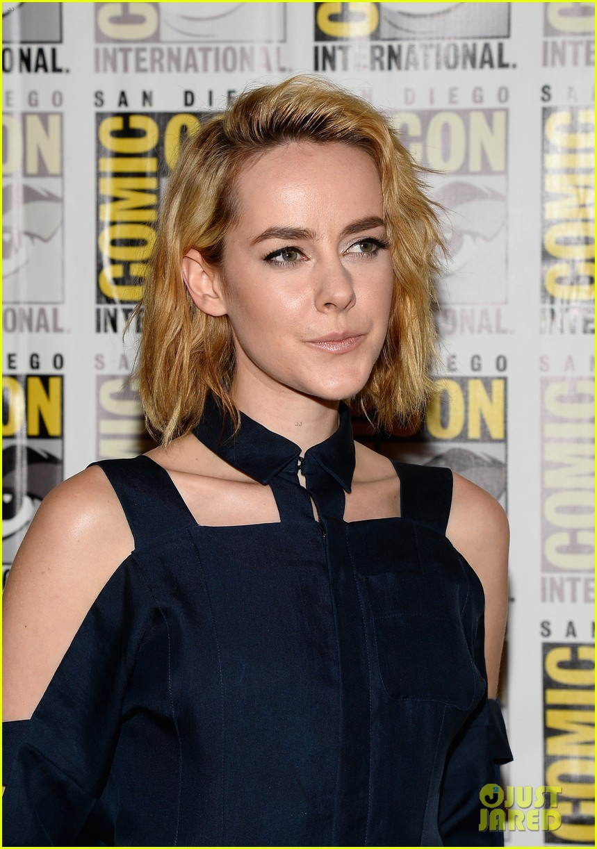 jena malone lenny kravitz catching fire comic con panel 172913173
