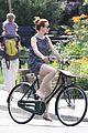 rachel mcadams toronto bike ride 03