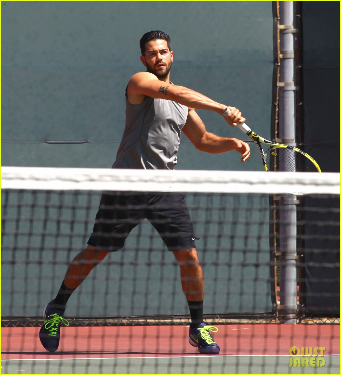 jesse metcalfe shirtless tennis playing with cara santana 112908068