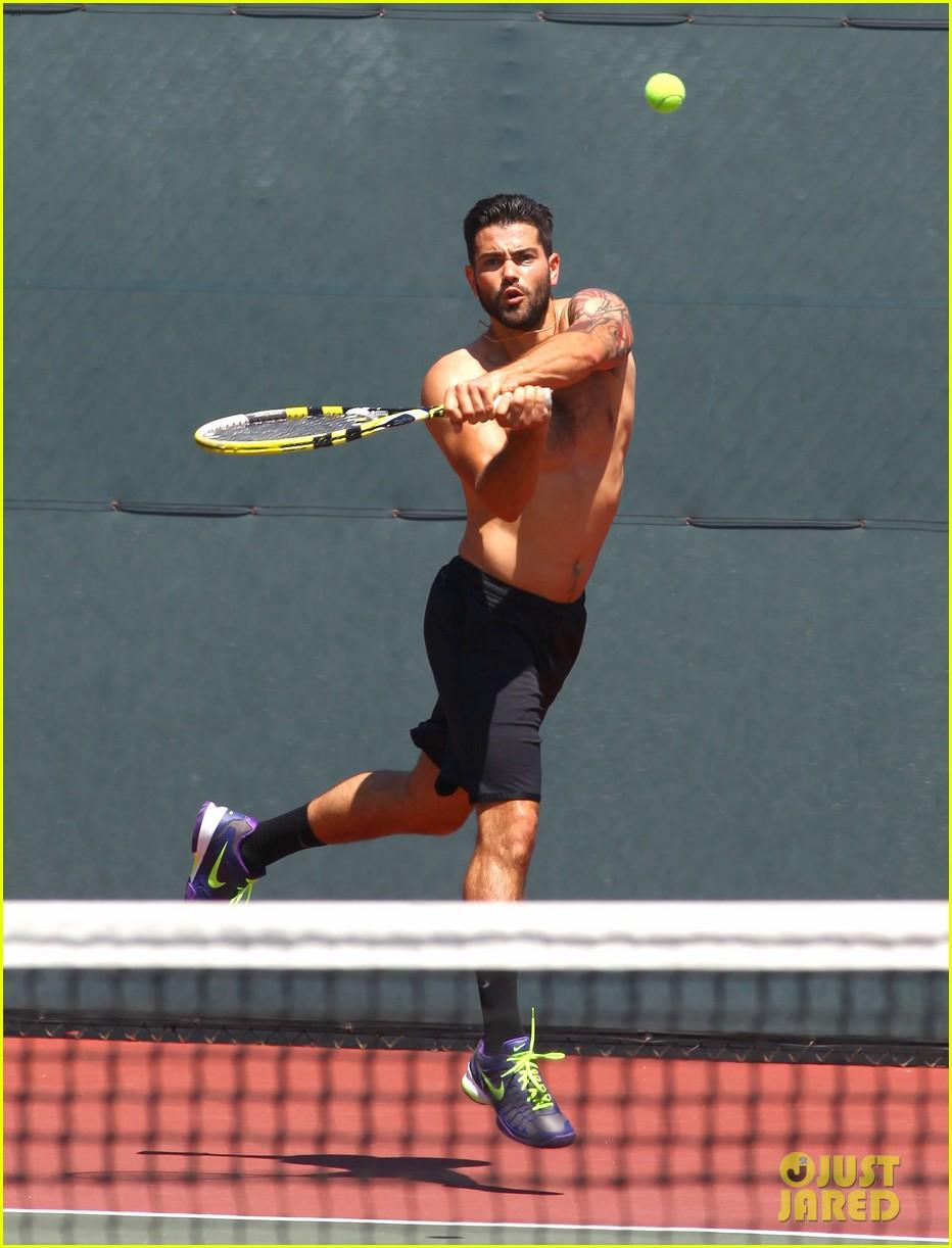 jesse metcalfe shirtless tennis playing with cara santana 19