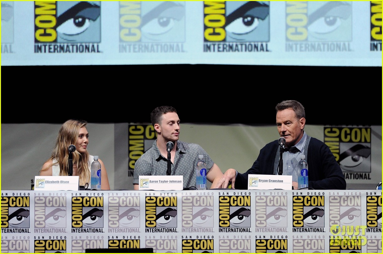 elizabeth olsen aaron taylor johnson godzilla at comic con 08