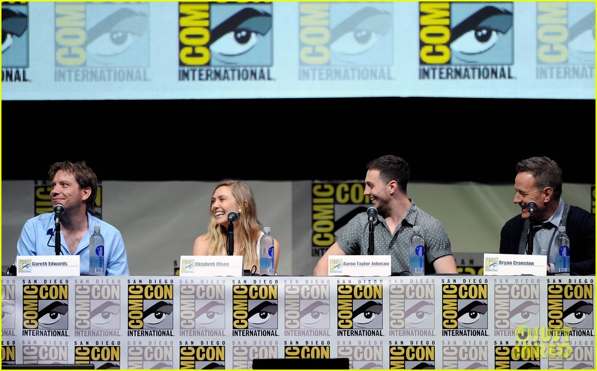 elizabeth olsen aaron taylor johnson godzilla at comic con 12