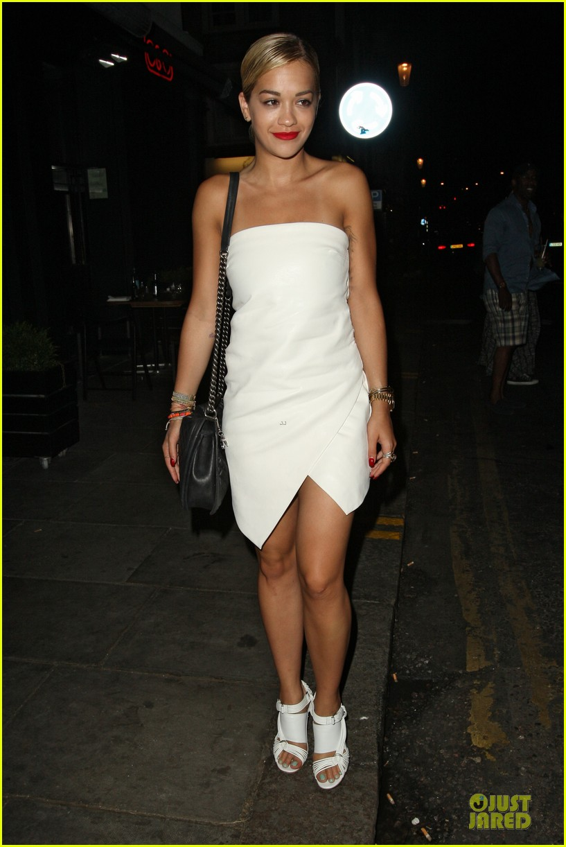 rita ora brightens eo restaurant at night 012910137