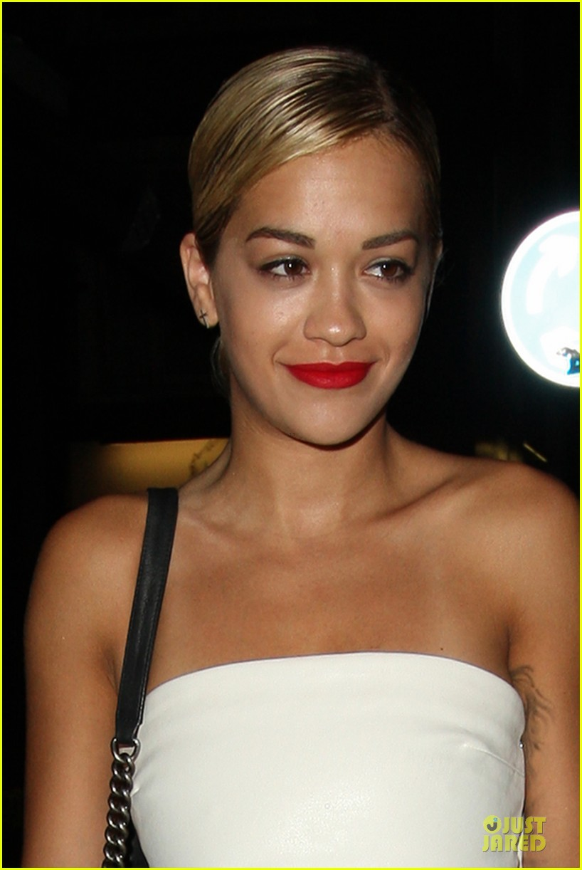 rita ora brightens eo restaurant at night 02