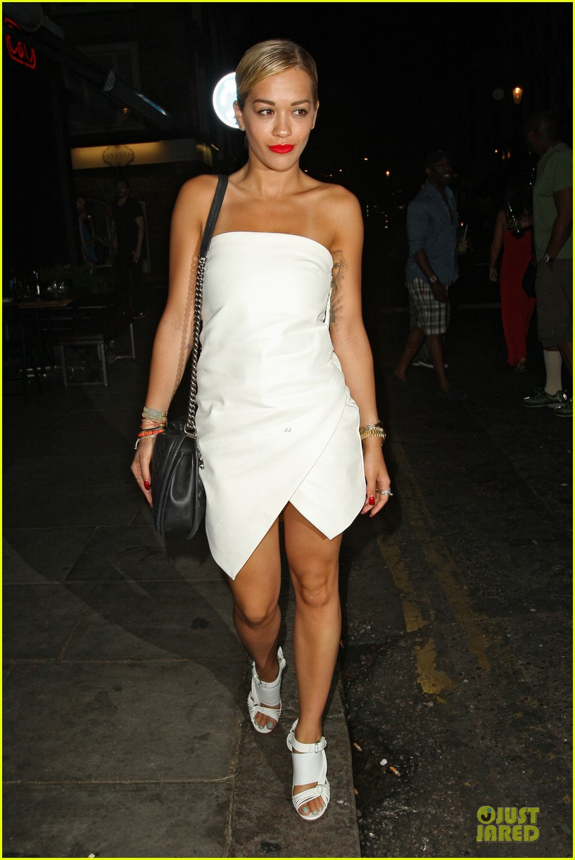 rita ora brightens eo restaurant at night 072910143