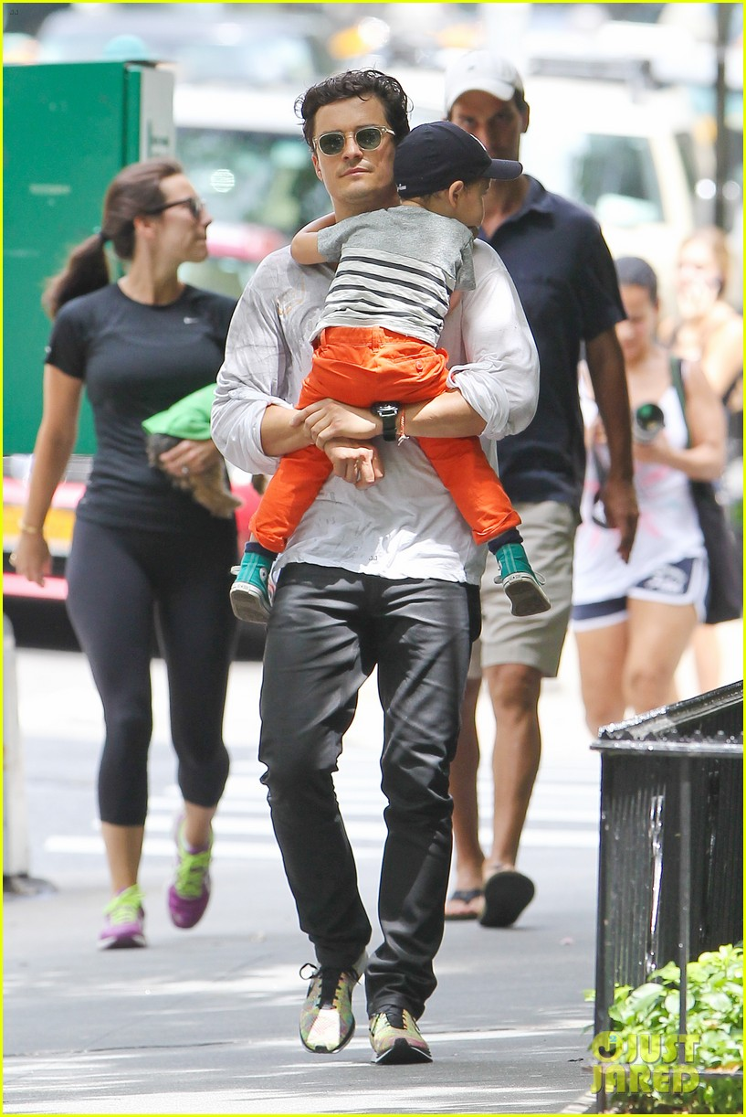 orlando bloom takes flynn to central park miranda kerr hits jfk 132909398