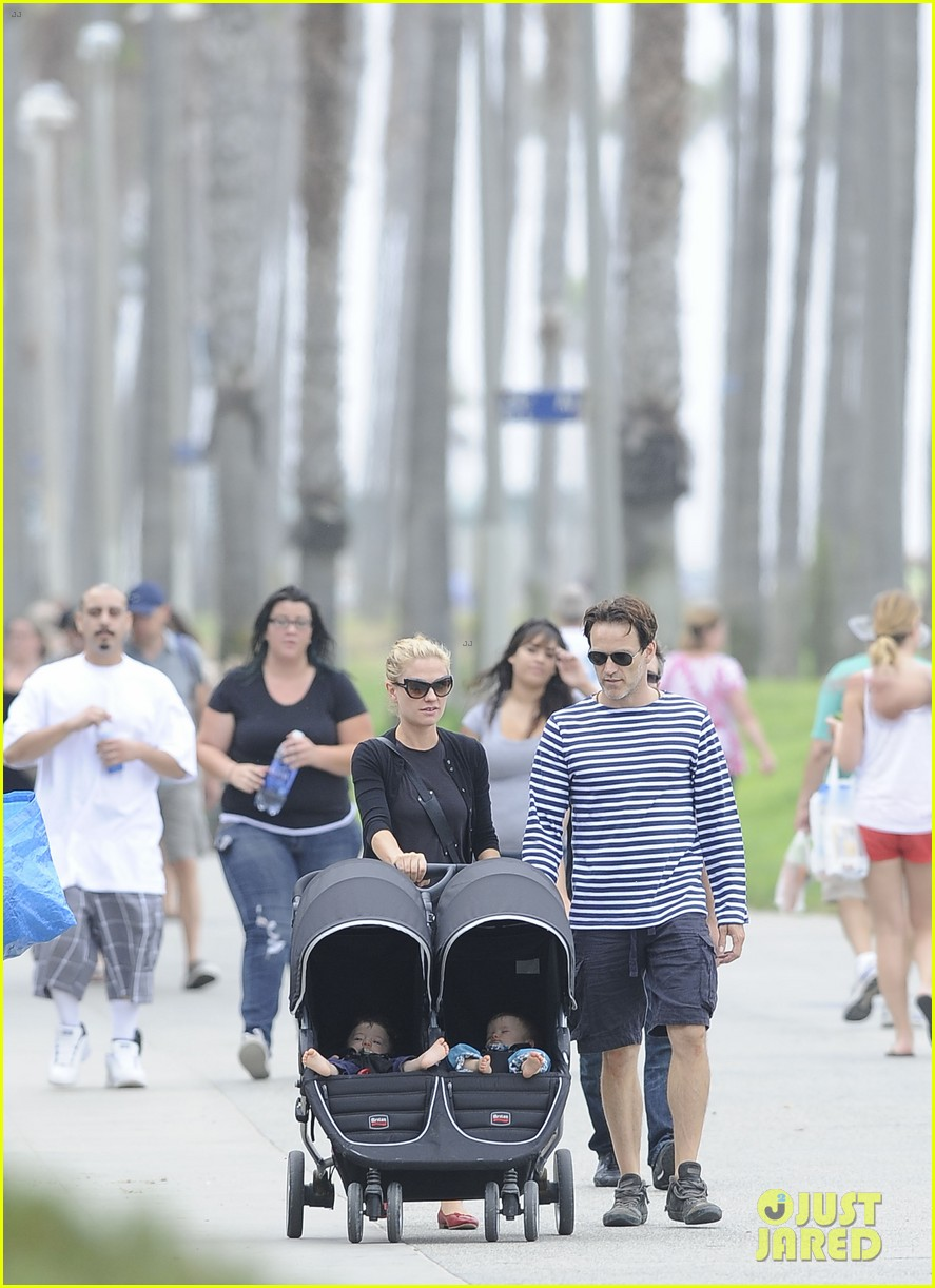 anna paquin stephen moyer sunday stroll with the twins 062914663