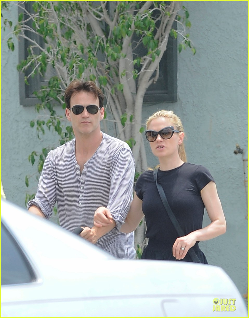 anna paquin stephen moyer venice stroll with the twins 04