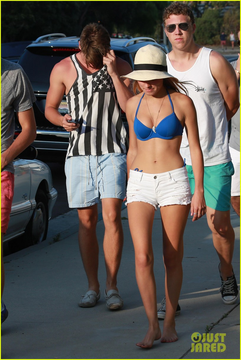 patrick schwarzenegger taylor burns paris hiltons july 4 party 31