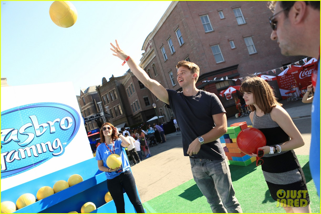 patrick schwarzenegger joey king power of youth 2013 04
