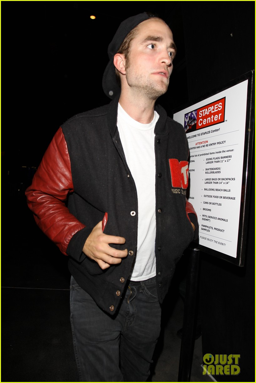robert pattinson selena gomez beyonce concert night out 062902474