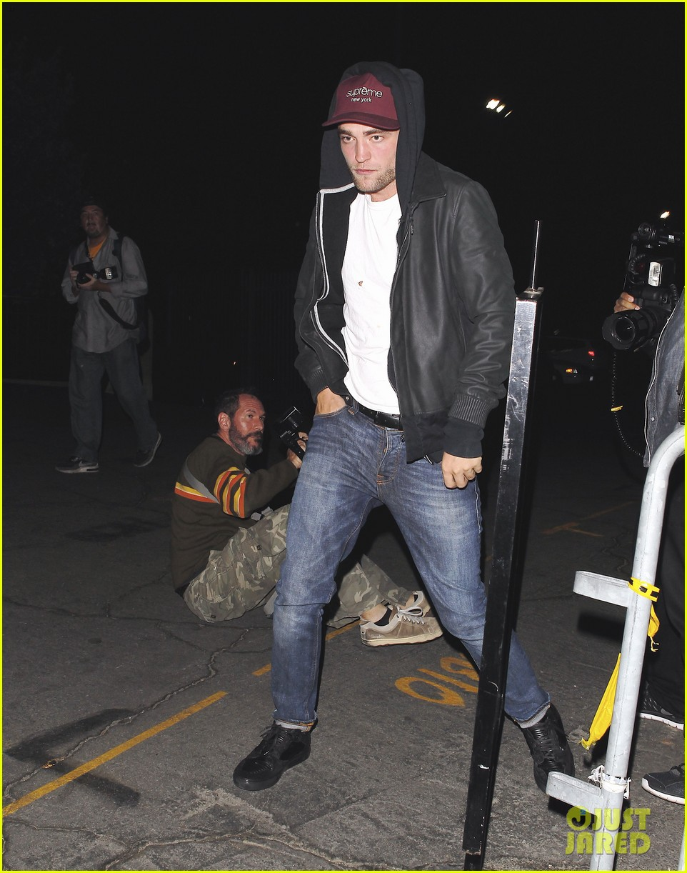 robert pattinson sia jay z and justin timberlake concert 012919264
