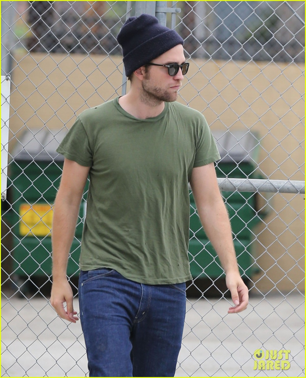 robert pattinson more time at the studio 042907879