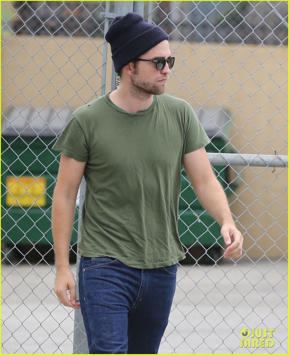robert pattinson more time at the studio 08