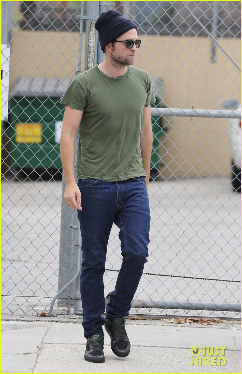 robert pattinson more time at the studio 09
