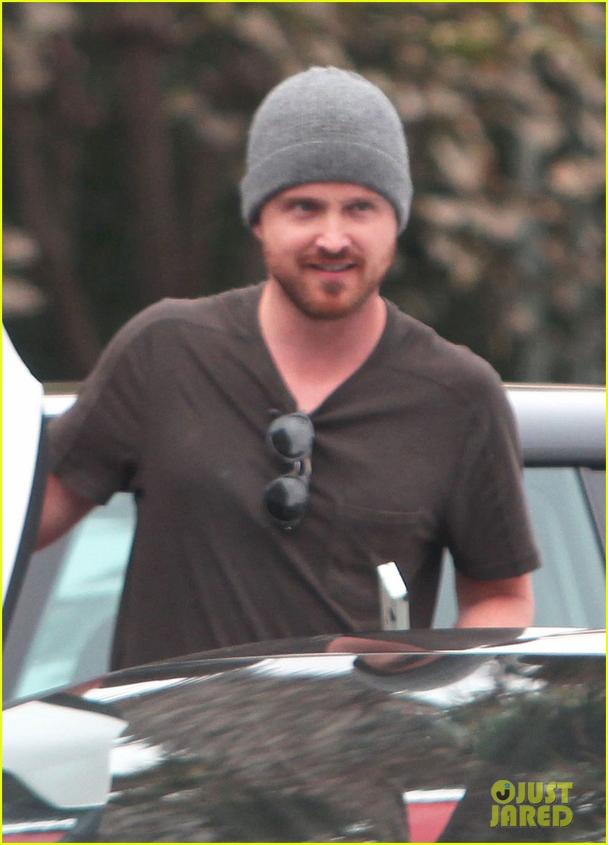 watch aaron paul react to original 90210 cameo 112917336
