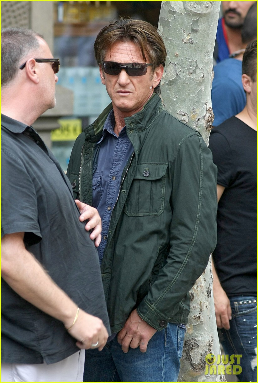 sean penn gunman gets tony winning new cast member 092904330