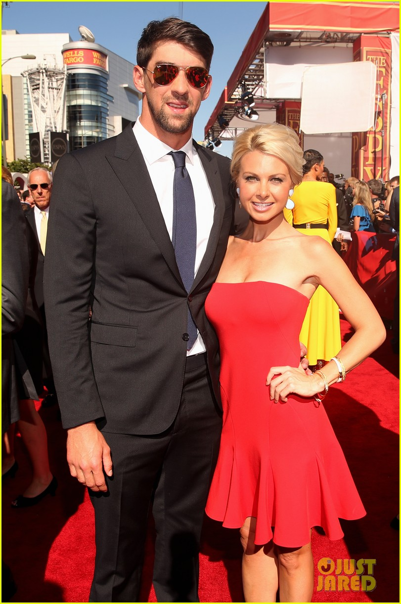 michael phelps new girlfriend espys 2013 red carpet 05
