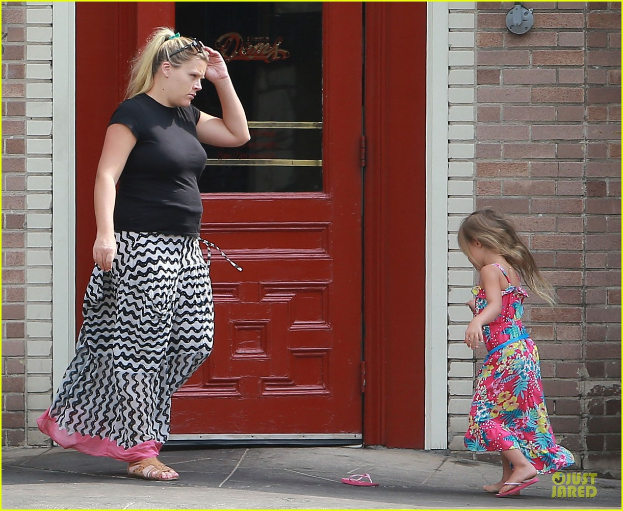 busy philipps post baby body at little doms 08
