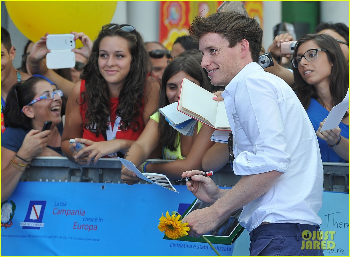 eddie redmayne giffoni film festival photo call 20