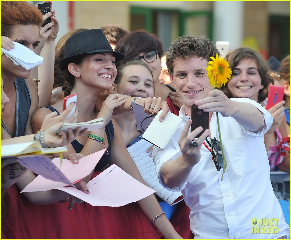eddie redmayne giffoni film festival photo call 22