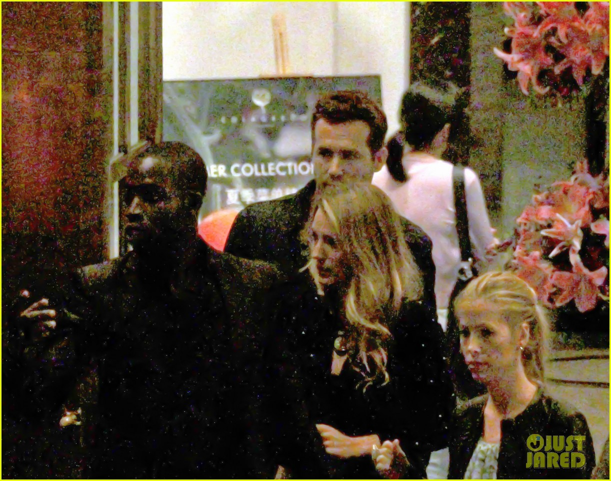 blake lively ryan reynolds dine out in shanghai 082902529