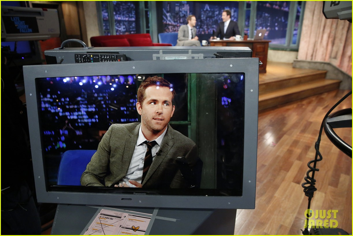 ryan reynolds gets soaking wet in jimmy fallon water war 03