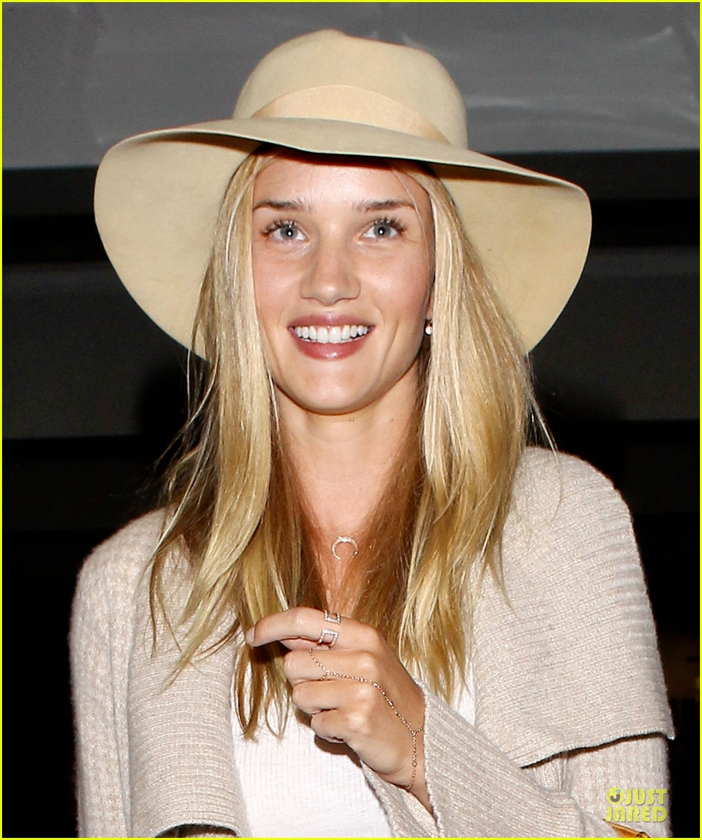 rosie huntington whiteley lax departure after jason statham lunch date 022905368
