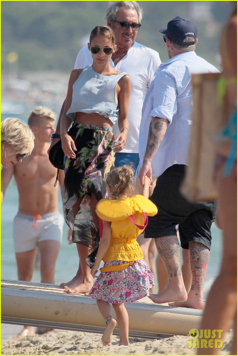 nicole richie bikini vacation with the family 04a