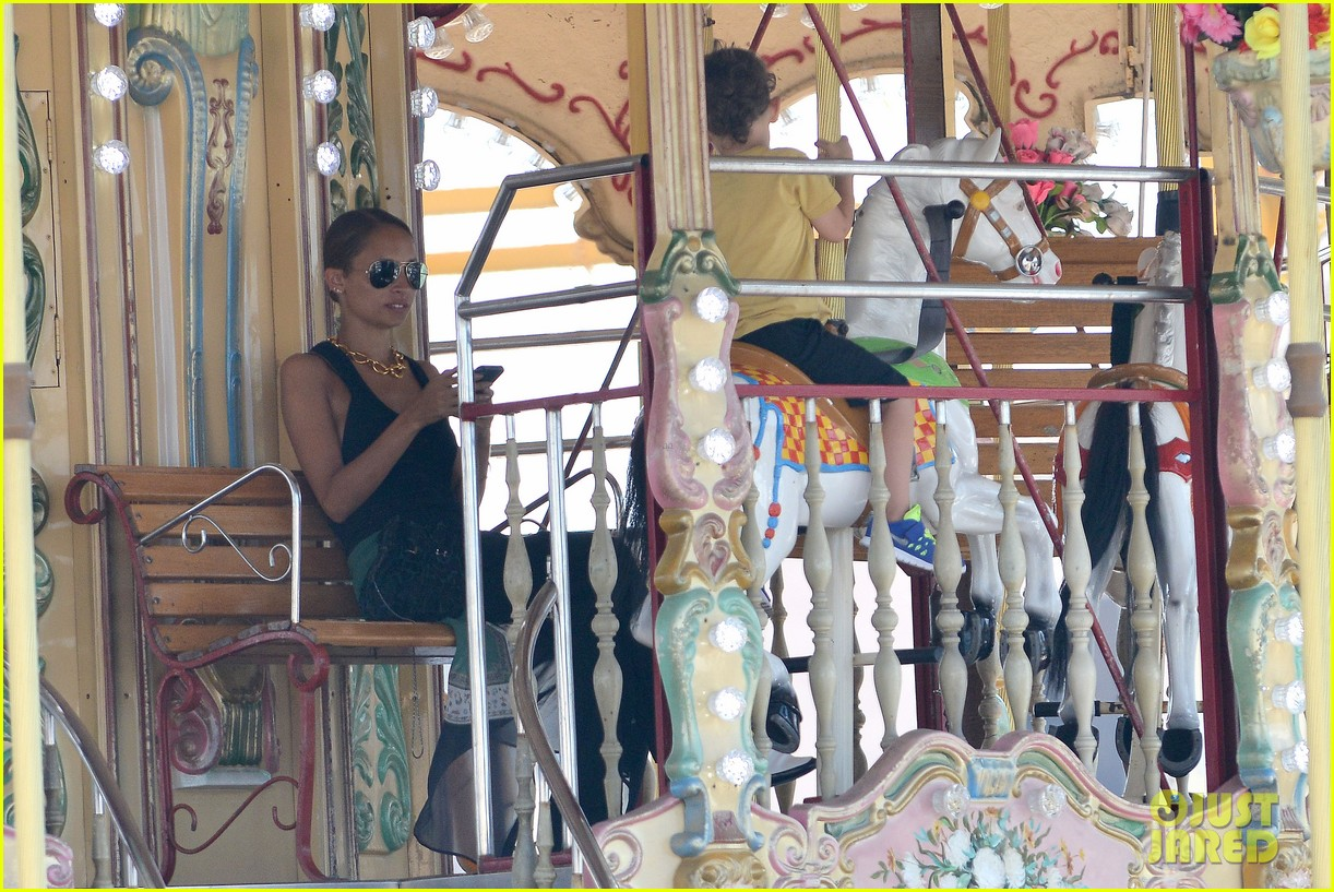 nicole richie continues saint tropez family vacation 162915909
