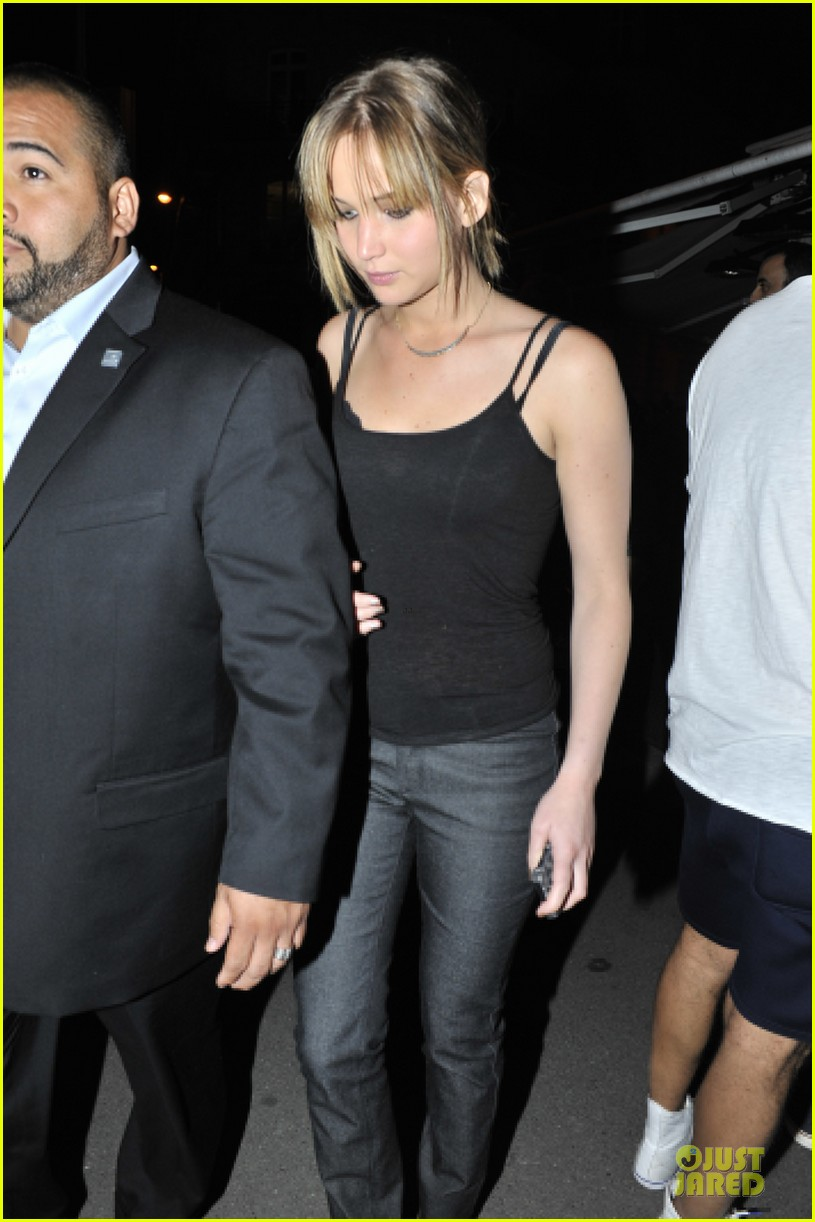 jennifer lawrence rihanna paris dinner meeting 022902431