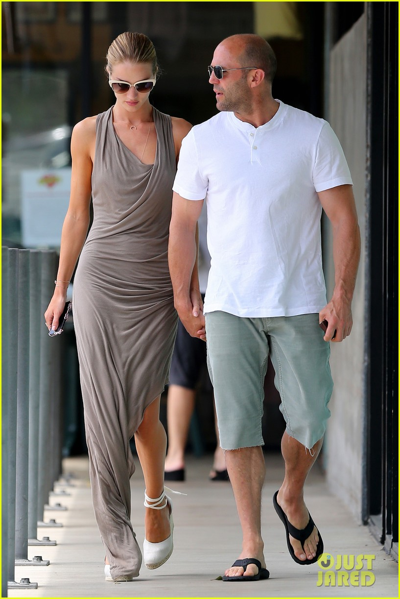 rosie huntington whiteley jason statham lunch lovers 012905015
