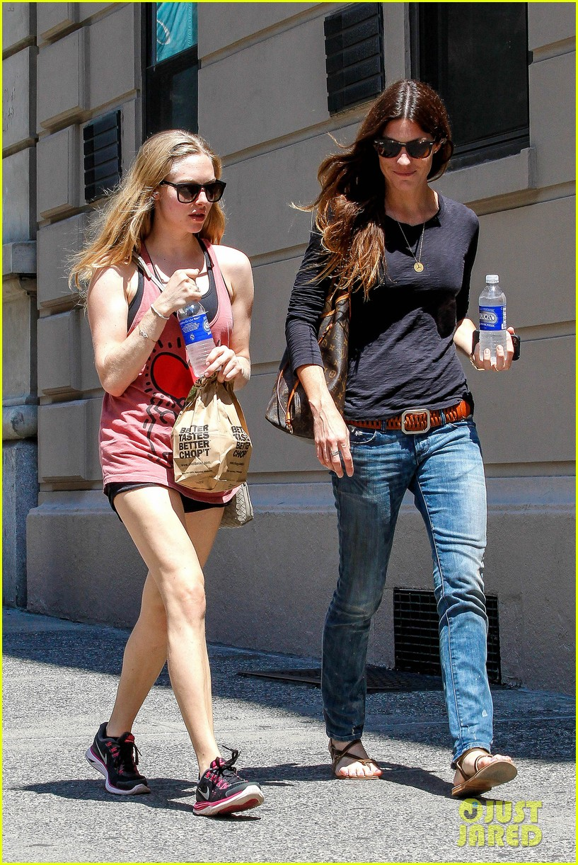 amanda seyfried jennifer carpenter hang in the big apple 062917619