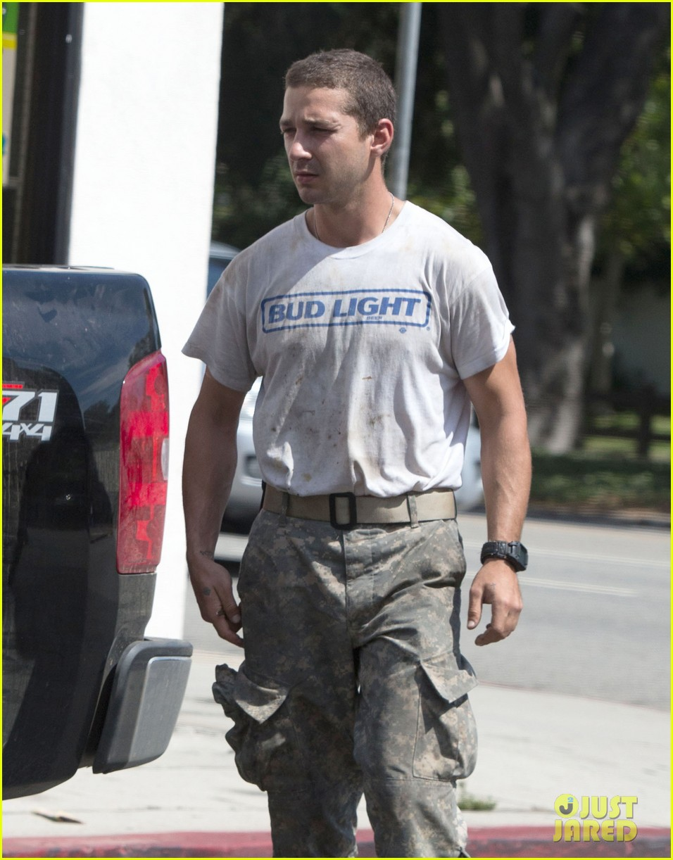 shia labeouf wears same outfit for third time in one week 02