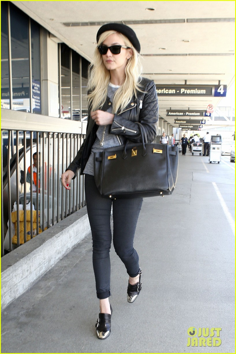 ashlee simpson evan ross travel together out of lax 152920102