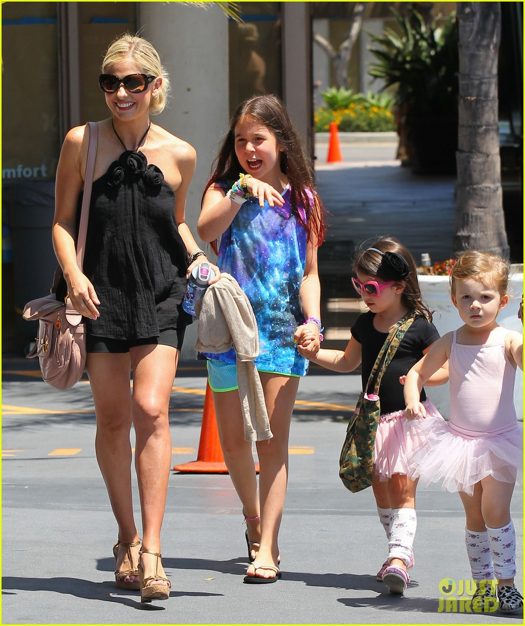 sarah michelle gellar ballet class pick up with charlotte 162918809